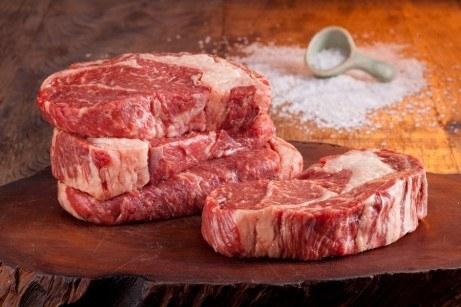 O BIFE ANCHO, também conhecido como noix (Ou Entrecote) é um corte nobre Argentino, tem como característica a gordura entremeada à carne ( também de carne marmorizada). É muito saborosa, macia e sucul