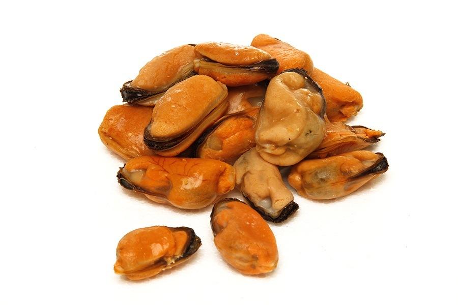 molusco marinho comestível, que atinge 5,5 cm de comprimento, bivalve, com duas conchas alongadas, de coloração escura e nuances azuladas metálicas.